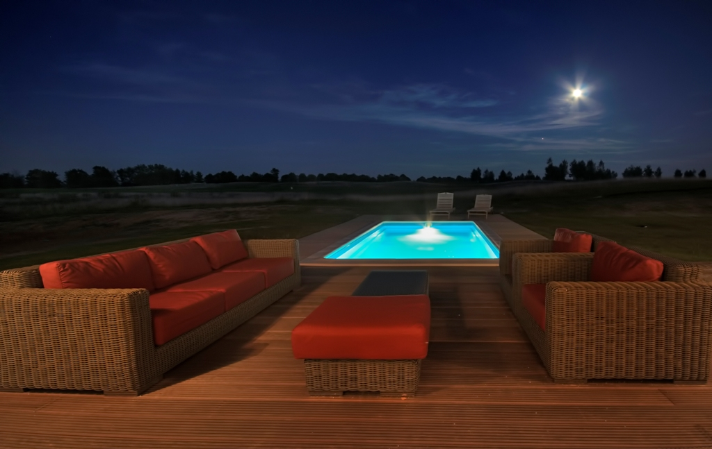 Sand Valley Poland pool at night house 5 — Changing Your Grip